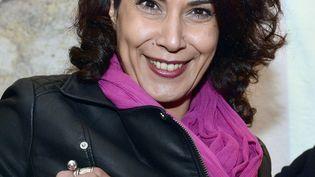 """La dessinatrice tunisienne Nadia Khiari reçoit le prix """"Couilles au cul"""" du magazine Fluide glacial, le 30 janvier 2016. (GEORGES GOBET / AFP)"""