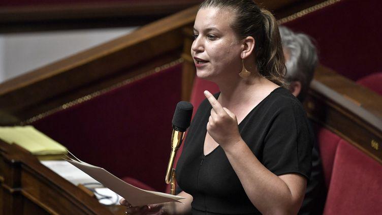 La députée de La France insoumise Mathilde Panot, à l'Assemblée nationale, à Paris, le 28 juillet 2020. (STEPHANE DE SAKUTIN / AFP)