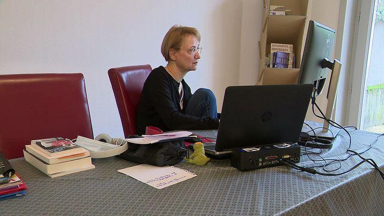 La romancière Bénédicte Belpois,en résidence d'écriture à Brive-la-Gaillarde (Corrèze) (France 3 Nouvelle-Aquitaine)