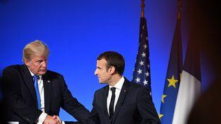 Donald Trump a rencontré, jeudi 13 juillet 2017, Emmanuel Macron à Paris. (ALAIN JOCARD / AFP)