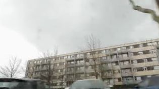 Le quartier de Saint-Jean à Beauvais (Oise), est devenu le théâtre d'émeutes d'une rare violence, dimanche 28 février. Jean Castex et le ministre de l'Intérieur, Gérald Darmanin, se sont rendus sur place vendredi 5 mars. (FRANCE 2)