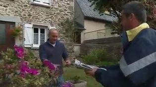 Initiative : en Corrèze, les facteurs livrent des repas (FRANCE 3)