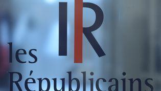 Logo au siège du parti Les Républicains, rue de Vaugirard,à Paris. (JULIEN MATTIA / LE PICTORIUM / MAXPPP)