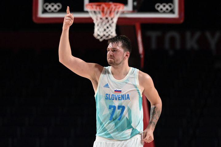Luka Doncic, leader de l'équipe de Slovénie aux Jeux olympiques, le 3 août à Saitama (ARIS MESSINIS / AFP)