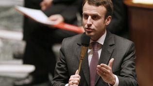 Le ministre de l'Economie, Emmanuel Macron, le 17 décembre 2014 à l'Assemblée nationale. (PATRICK KOVARIK / AFP)