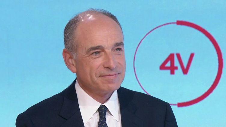 """Horizons : """"Édouard Philippe pourrait un ami pesant pour Emmanuel Macron"""", estime Jean-François Copé (FRANCE 2)"""
