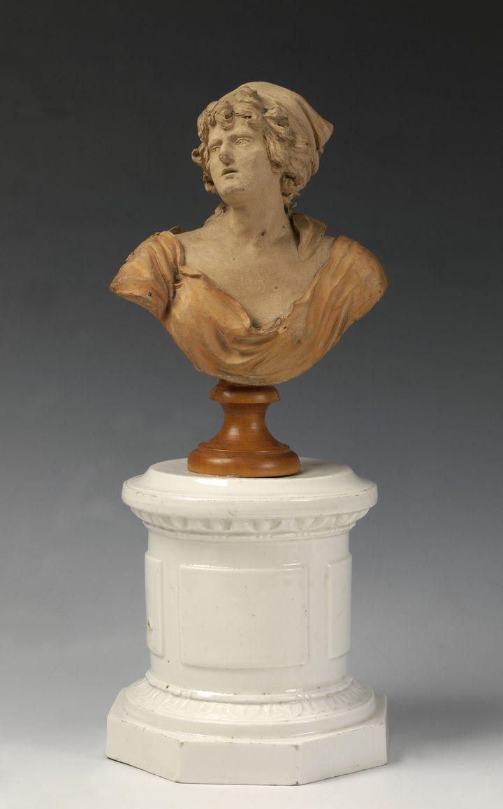 Julie Charpentier -Buste de Théroigne de Méricourt -Terre cuite, fin du XVIIIe siècle - Ville de Versailles, musée Lambinet, Inv. 888  (Ville de Versailles, musée Lambinet)