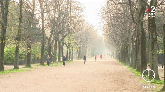 Coronavirus : les joggers toujours aussi nombreux dehors malgré le confinement
