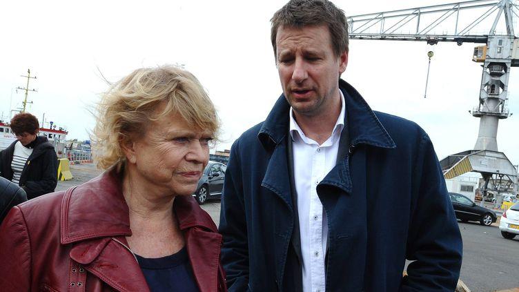 la candidate écologiste à la présidentielle, Eva Joly, et son ancien porte-parole, Yannick Jadot, le 14 mars 2011 à Saint-nazaire. (FRANCK DUBRAY /PHOTOPQR / OUEST FRANCE / MAXPPP)