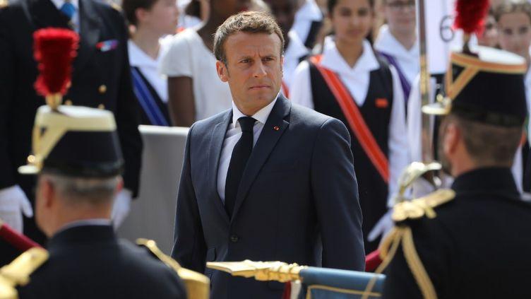 Emmanuel Macron lors de la commémoration de l'appel du 18 juin 1940 dugénéral de Gaulle, le 18 juin 2019 à Suresnes (Hauts-de-Seine). (LUDOVIC MARIN / AFP)
