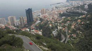 Côté d'Azur : au volant des voitures mythiques sur la Grande Corniche (FRANCE 2)