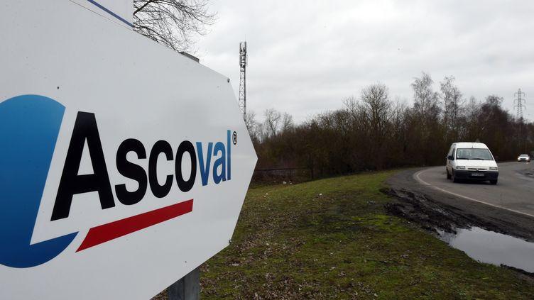 Un panneau indique l'usine Ascoval, à Saint-Saulve, près de Valenciennes (Nord), lundi 29 janvier 2018. (FRANCOIS LO PRESTI / AFP)