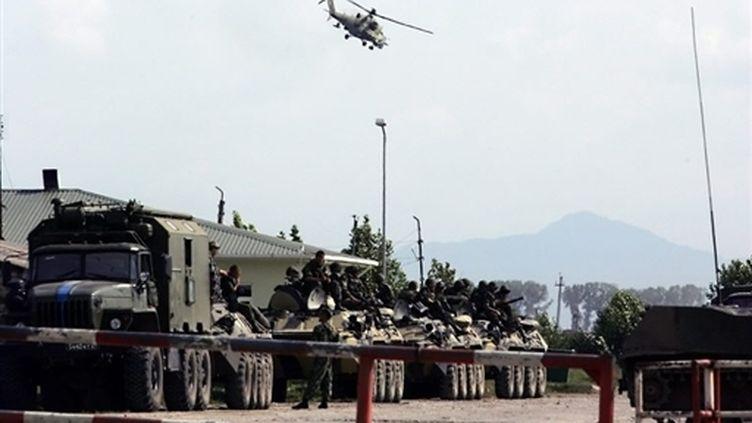 Colonne militaire russe à Senaki (ouest de la Géorgie) le 19 août 2008 (AFP - Louisa Gouliamaki)