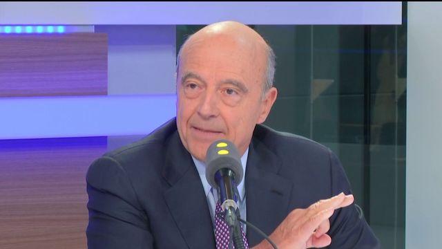 """Juppé dénonce """"l'hystérie déraisonnable"""" sur l'islam et tacle Sarkozy"""
