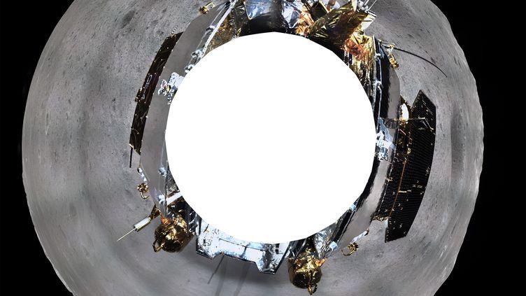 Le clichéà 360 degrés de la Lune publié vendredi 11 janvier par l'agence spatiale chinoise CNSA (China National Space Administration). (XINHUA / AFP)