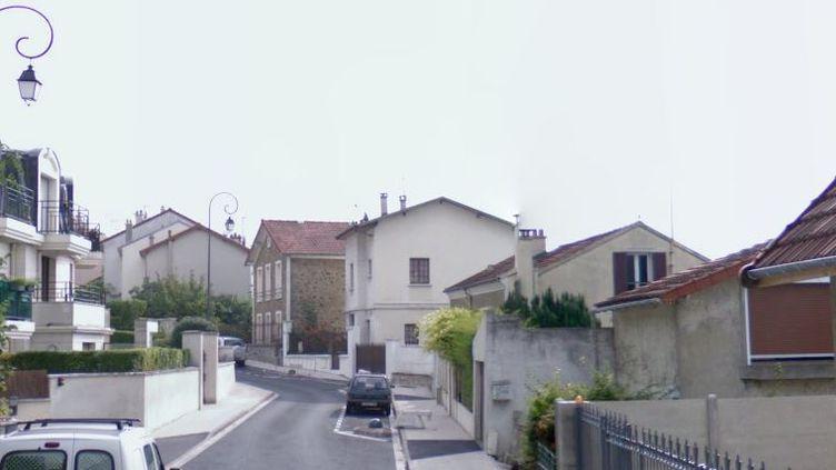 """La rue Carnot, à Nogent-sur-Marne (Val-de-Marne), où a été retrouvé le corps de l'octogénaire, selon """"le Parisien"""". (GOOGLE MAPS / FRANCETV INFO)"""
