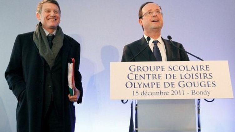 Vincent Peillon et François Hollande (15 décembre 2011) (PATRICK KOVARIK / AFP)