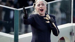 Lady Gaga chante l'hymne américain lors de l'investiture de Joe Biden le 20 janvier 2021 au Capitole. (GREG NASH / POOL)