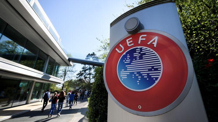 L'UEFA et plusieurs fédérations ont dénoncé la Super Ligue dans un communiqué commun.  (FABRICE COFFRINI / AFP)