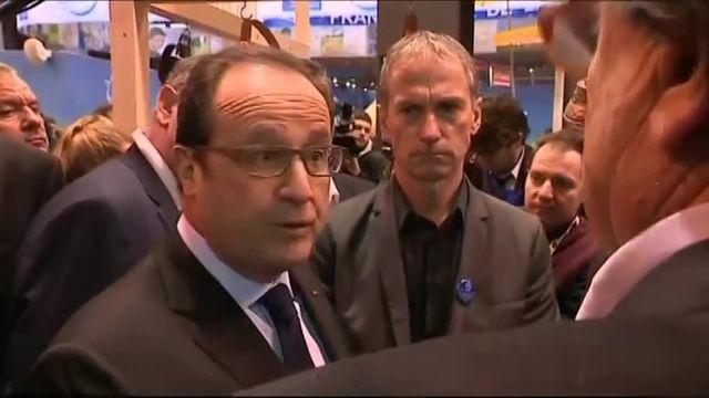 """François Hollande : la loi sur la grande distribution """"doit être revue"""""""