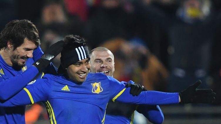 Les joueurs de Rostov célèbrent un but contre le Bayern Munich (KIRILL KUDRYAVTSEV / AFP)