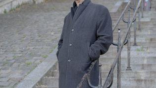 L'écrivain Hervé Le Tellier à Montmartre en 2020. (C?LINE VILLEGAS / HANS LUCAS)