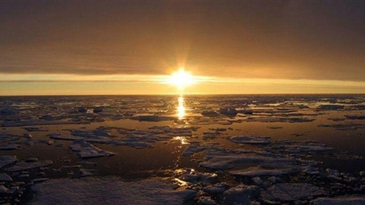 Coucher de soleil sur l'Arctique canadien (© AFP - NASA/JPL - Jeremy Harbeck)
