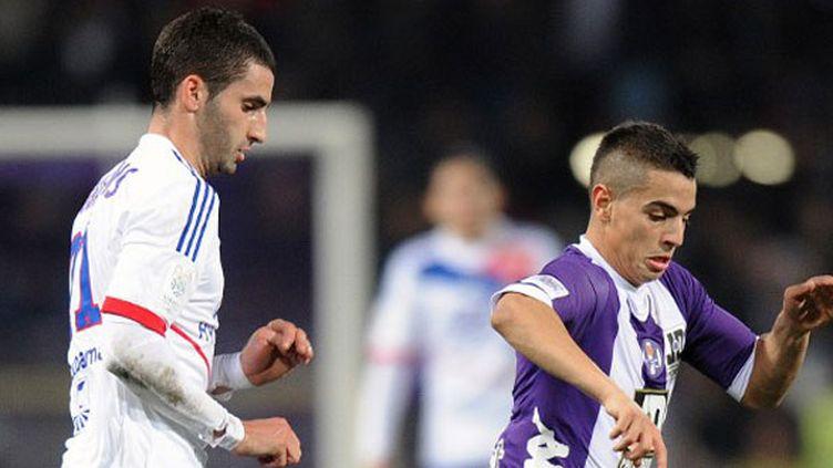 Le Toulousain Ben Yedder pourchassé par le Lyonnais Gonalons