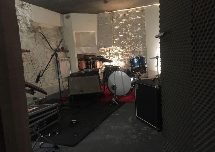 Dans le studio d'Edith Fambuena Paris 12e.  (Laure Narlian / Culturebox)