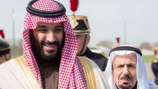 Le prince héritier saoudien, Mohammed Ben Salmane, lors de son arrivée à l'aéroport du Bourget (Seine-Saint-Denis), le 8 avril 2018. (BANDAR ALGALOUD / SAUDI KINGDOM / ANADOLU AGENCY)