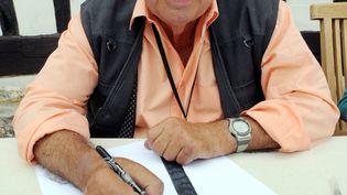 Le dessinateur Siné, à son domicile de Vinnemerville (Seine-Maritime), le 17 juillet 2008. (ROBERT FRANCOIS / AFP)