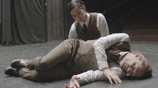 """Thom Yorke et la danseuse japonaise Fukiko Tagase dans le clip """"Ingenue"""" du projet Atoms For Peace.  (XL Recordings)"""