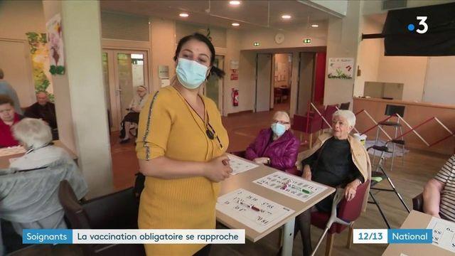 Covid-19 : le projet de loi sur la vaccination obligatoire pour les soignants se rapproche