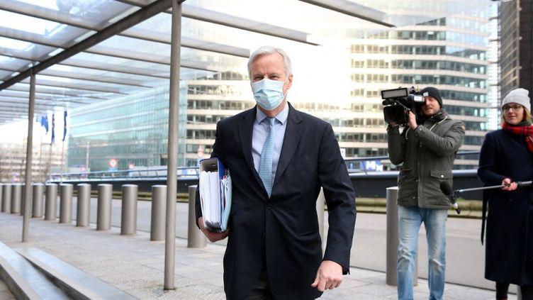 Michel Barnier, le 25 décembre 2020, à Bruxelles. (FRANCOIS WALSCHAERTS / AFP)