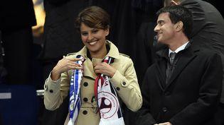 Najat Vallaud-Belkacem, ministre de l'Education, et Manuel Valls, Premier ministre, au Stade de France, à Saint-Denis (Seine-Saint-Denis), le 19 avril 2014. (FRANCK FIFE / AFP)