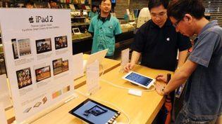 A Hong Kong, découverte de l'iPad 2 (AFP)
