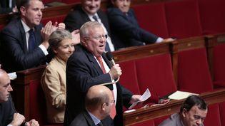Le député UMP Jacques Myard dans l'hémicycle de l'Assemblée nationale, le 23 octobre 2013. (MAXPPP)