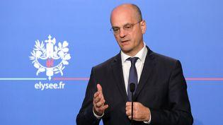 Le ministre de l'Education nationale, Jean-Michel Blanquer, lors d'une conférence de presse, le 8 décembre 2017 à l'Elysée, à Paris. (LUDOVIC MARIN / AFP)