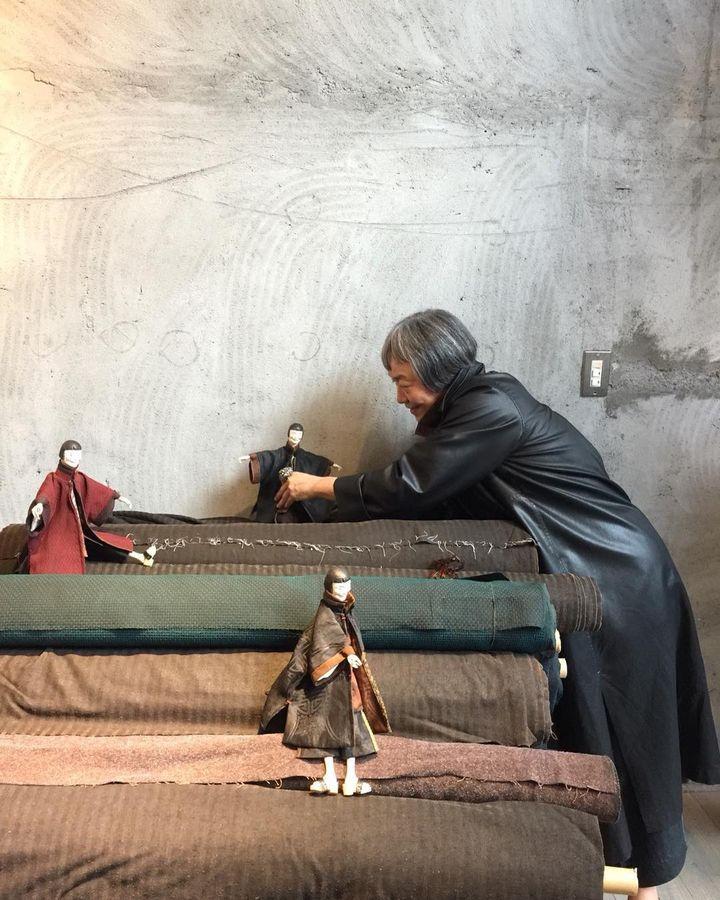"""Exposition""""SophieHong: Des feuilles du mûrier le temps fait des robes de soie"""" à la Piscine deRoubaix (Sophie Hong)"""