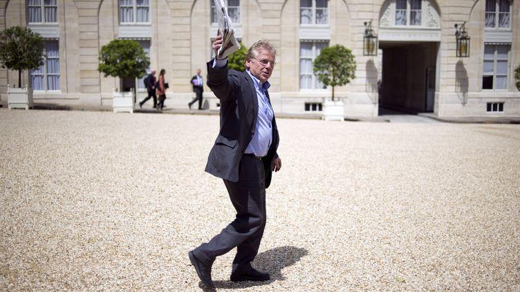 """L'eurodéputé dénonce notamment l'""""incohérence totale"""" de son parti, qu'il critiquait vertement depuis plusieurs mois. (FRED DUFOUR / AFP)"""
