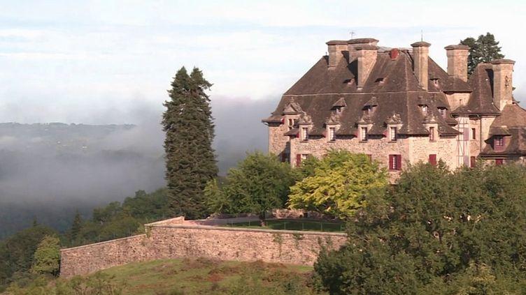 Le châteauduDoux, situé à Altillac (Corrèze), jouit d'une forte célébrité dans les pays anglophones grâce à son passage dans une émission de téléréalité. (CAPTURE D'ÉCRAN FRANCE 3)