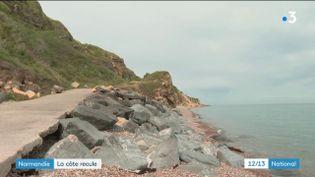 Cette année encore, l'érosion a tendance à s'accélérer sur les côtes françaises. C'est le cas notamment dans le Calvados. À Longues-sur-mer, le conseil municipal a été contraint de fermer la principale plage en pleine saison touristique. (France 3)