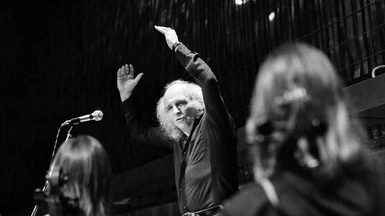 Léo Ferré en répétition au conservatoire de Montreux, en Suisse, en février 1975. (MAX VATERLAUS / MAXPPP)
