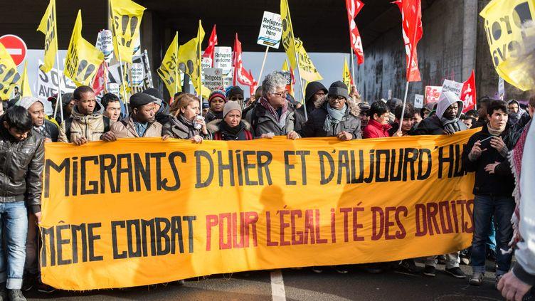 Manifestation de soutien aux migrants, à Calais, le 23 janvier 2016. (MAXPPP)