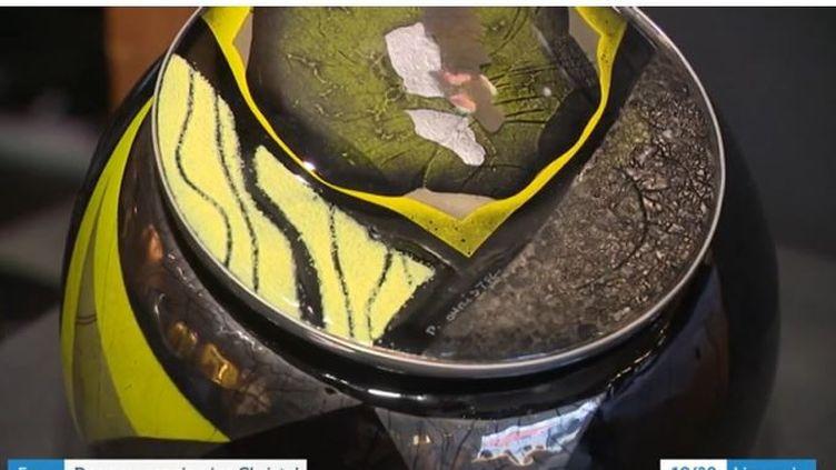 Détail d'un vase dePierre Christel (capture d'écran). (FRANCE TELEVISIONS)