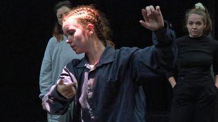 """Répétition du ballet hip hop """"Malacca"""" par laCie Brainstorm pour le festival Karavel de Villeurbanne (France 3 AURA)"""