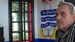 Jean-Charles de Castelbajac rdécore le salon octogonal du domaine de Saint-Clair à Etretat  (France 3 / Culturebox )
