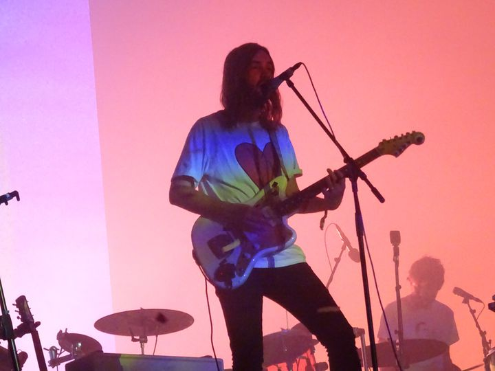 Kevin Parker, le leader du groupe de pop psychédélique australien Tame Impala, au festival parisien We Love Green le 2 juin 2019. (LAURE NARLIAN / FRANCEINFO CULTURE)