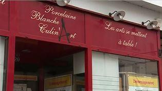 Pour dynamiser les commerces de son centre-ville, la commune de Bolbec en Seine-Maritime a décidé de mettre la main à la poche. (FRANCE 3)