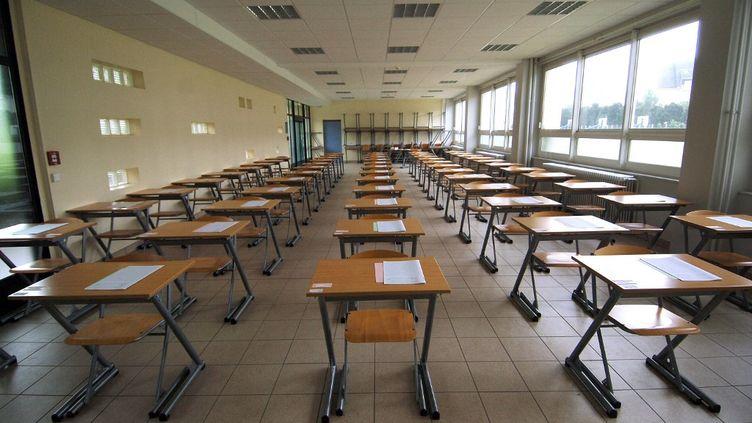 Une salle d'examen vide, le 11 juin 2007, à Caen. (MYCHELE DANIAU / AFP)